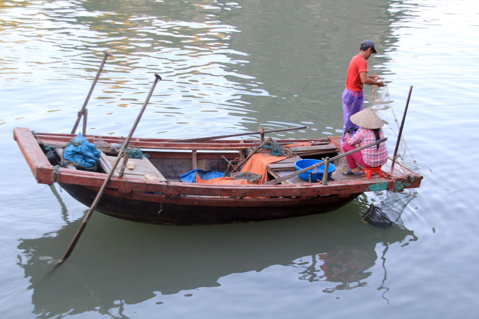 halong fishing.jpg