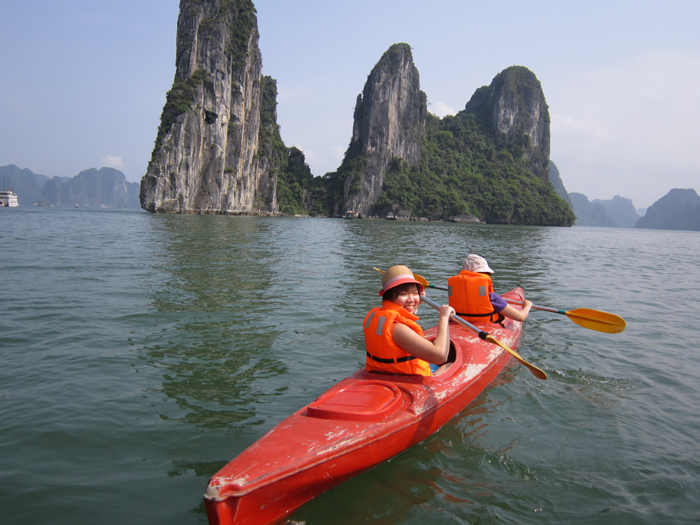 halong kayaking tour.jpg