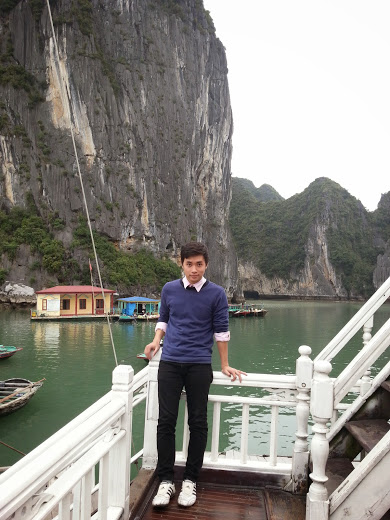english tourguide in vietnam.jpg