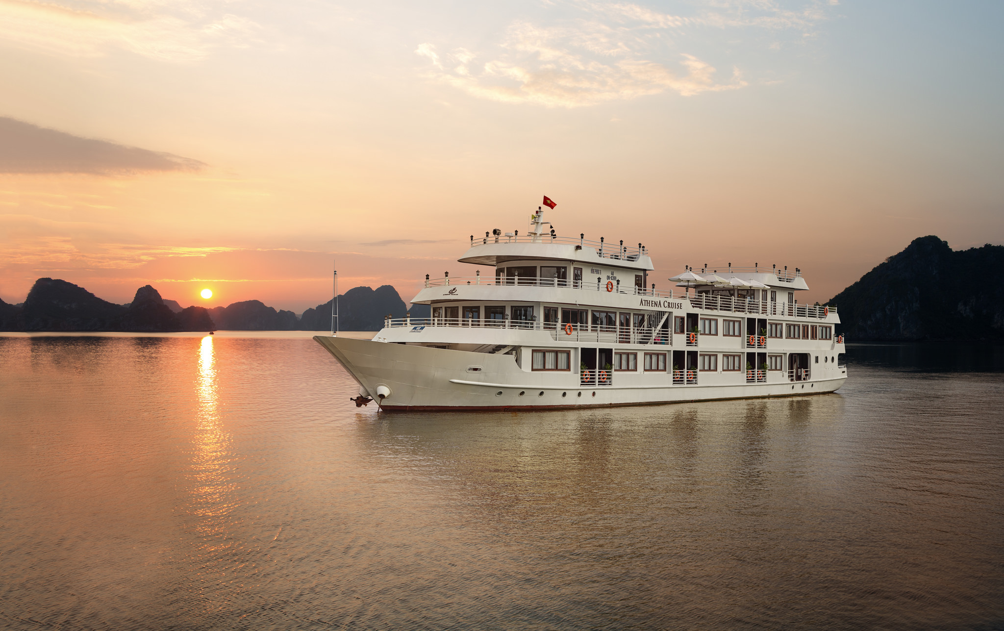 Bai Tu Long Bay Luxury Cruise