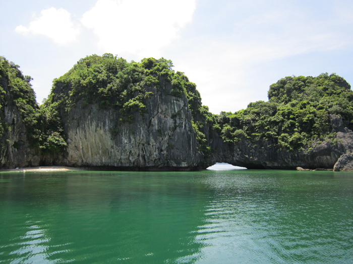 Halong three peach beach - batraidao